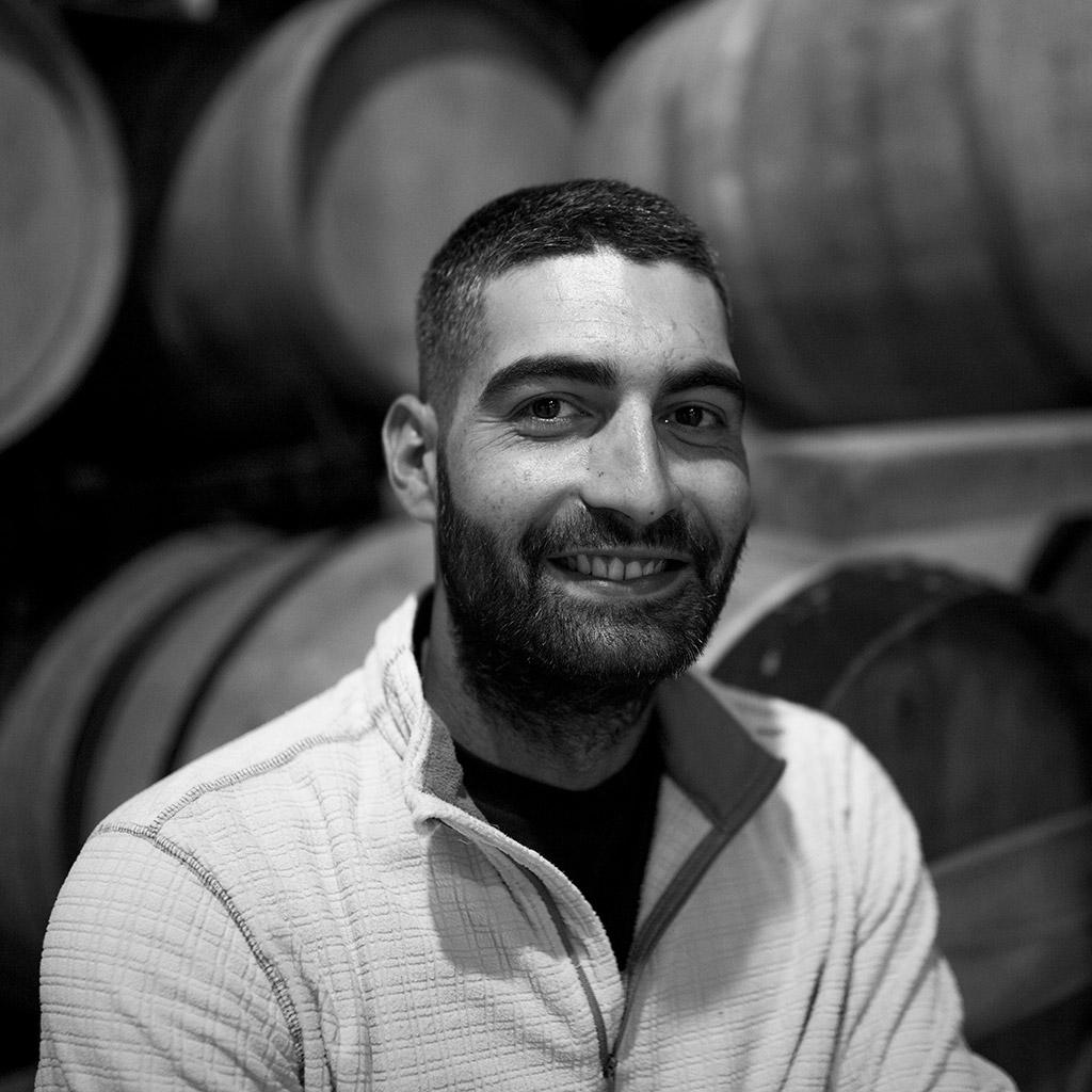 Ismael Granjo, encargado del cuidado del viñedo